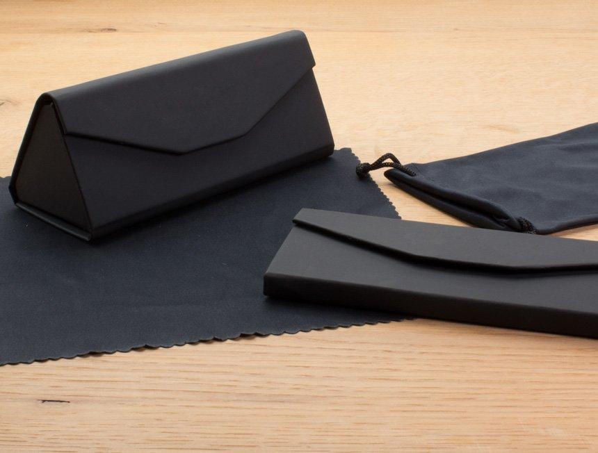funda plegable rigida acabado rubber con saquito y gamuza de microfibra